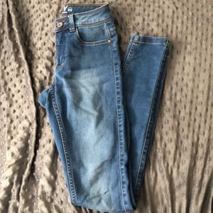 High waisted light fade jeans